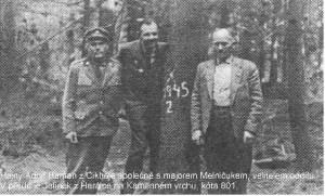 Hajný Adolf Haman na kótě 801 s velitelem partyzánského oddílu Vpřed Melničukem