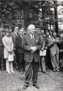 President Ludvík Svoboda na Žákově hoiře – u Stříbrné studánky, kde podepsal výnos o Chráněné krajinné oblasti Žďárské vrchy 27. června 1970