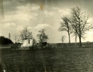rozvaliny domu rodiny Vaisových vypáleného nacisty